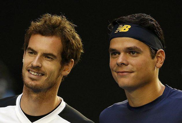 Brit Andy Murray (vlevo) a kanaďan Milos Raonic před semifinálovým duelem Australian Open.