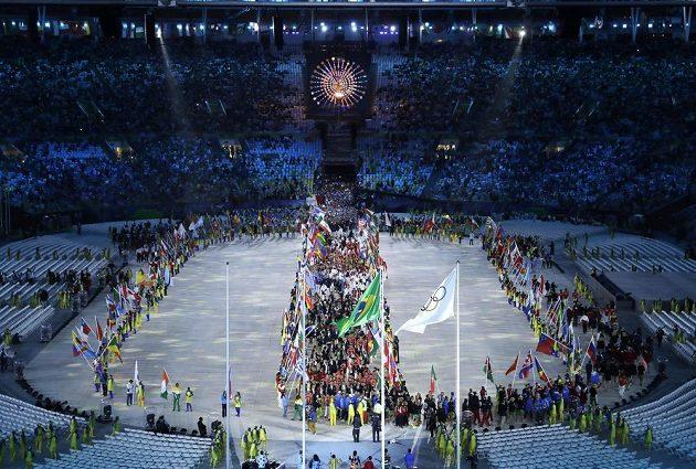 Stadión Maracaná uvítal sportovce při slavnostním zakončení.