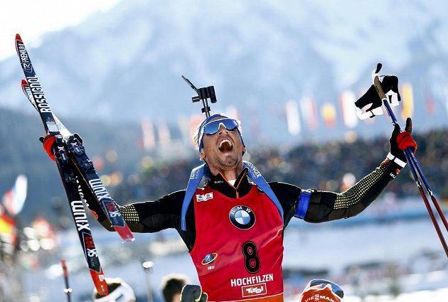 Simon Schempp ovládl poslední závod biatlonistů na MS v Hochfilzenu.