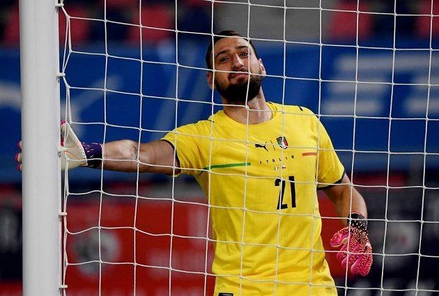 Italský brankář Gianluigi Donnarumma v přípravném utkání v Boloni s českým týmem neinkasoval ani jednou.