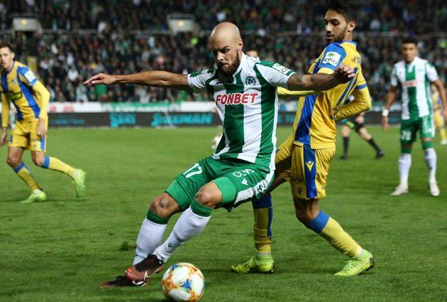 Jan Lecjaks v zelenobílém dresu Omonie Nikósie v duelu kyperské ligy.