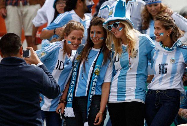 Argentinské fanynky v bolivijském La Pazu.
