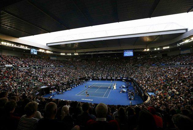 Rod Laver Arena během semifinále Australina Open mezi Murrayem a Raonicem.