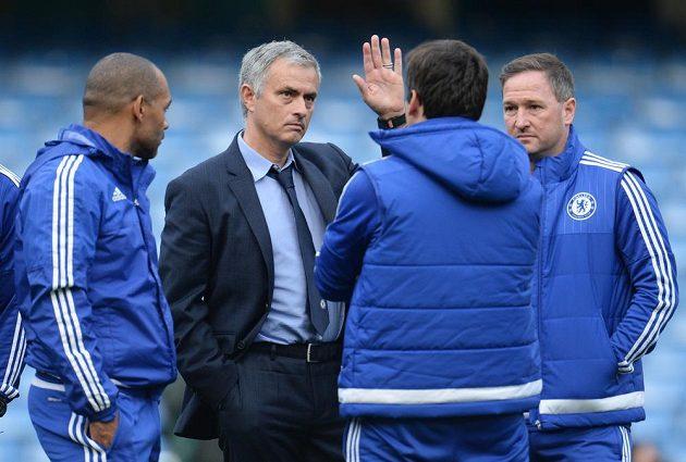 Mourinhovo sbohem? Pozice trenéra Chelsea je po prohře s Liverpoolem opět o něco slabší.