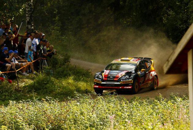 Martin Prokop na trati Finské rallye s Fordem Fiesta WRC.