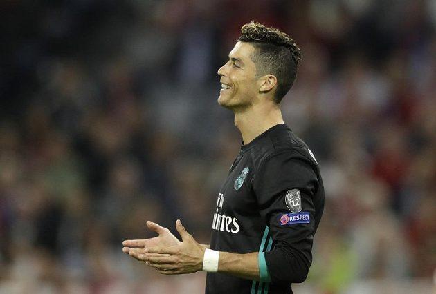 Hvězda Realu Madrid Cristiano Ronaldo během semifinále Ligy mistrů s Bayernem.