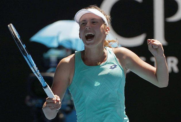 Belgičanka Elise Mertensová při čtvrtfinále s Elinou Svitolinovou z Ukrajiny.