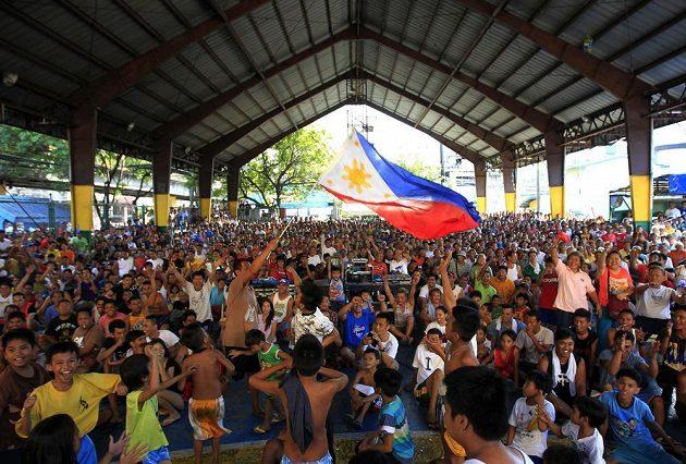 Filipínská Manila při duelech národního hrdiny Pac-mana vždy zcela promění svůj ráz.