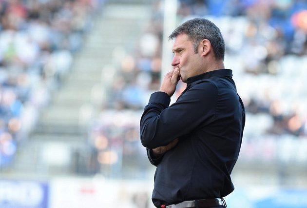 Trenér Brna Svatopluk Habanec během utkání v Olomouci.