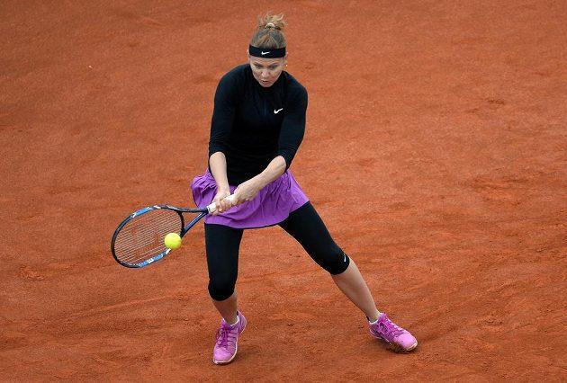 Lucie Šafářová se v utkání proti Lucii Hradecké dočkala druhé letošní výhry v singlu.