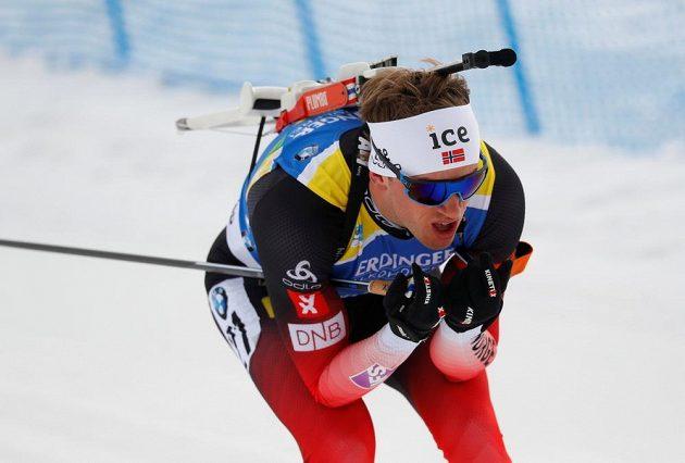 Norský biatlonista Tarjei Bö v akci na MS v italské Anterselvě během vytrvalostního závodu.