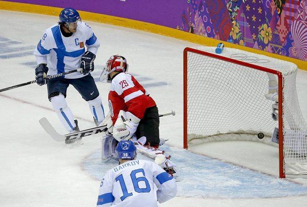 Finský útočník Teemu Selänne (vlevo). Tyhle dresy v zámoří zaujaly nejvíce.