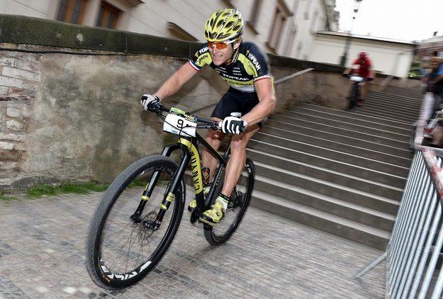 Kristián Hynek během závodu horských kol Pražské schody 2015.
