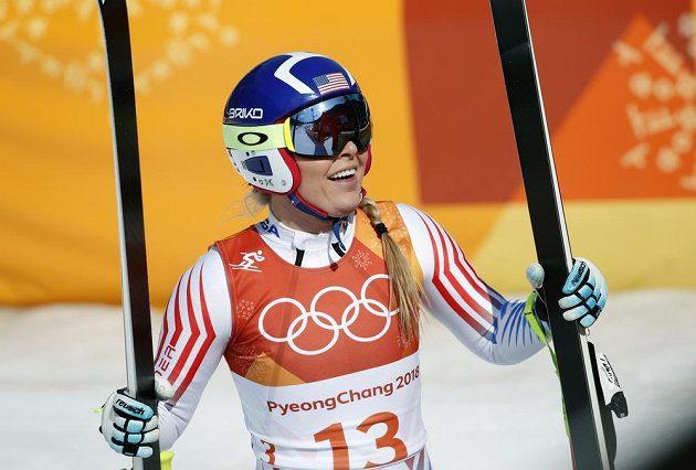 Spokojená Lindsey Vonnová v cíli sjezdu do kombinace. Bude jí náskok stačit i ve slalomu?