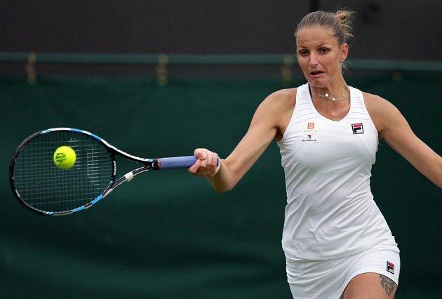 Česká tenistka Karolína Plíšková v zápase s Belgičankou Yaninou Wickmayerovou.