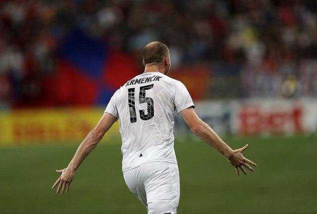 Plzeňský Michael Krmenčík se raduje z gólu proti FCSB.