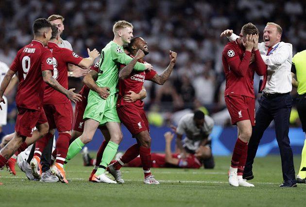 Liverpool v extázi po triumfu ve fotbalové Lize mistrů.