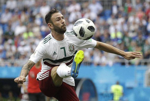 Maxičan Miguel Layun v akci během utkání s Korejci.
