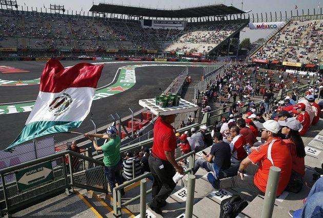 Fanoušci F1 si nenechali ujít ani první trénink na Velkou cenu Mexika.
