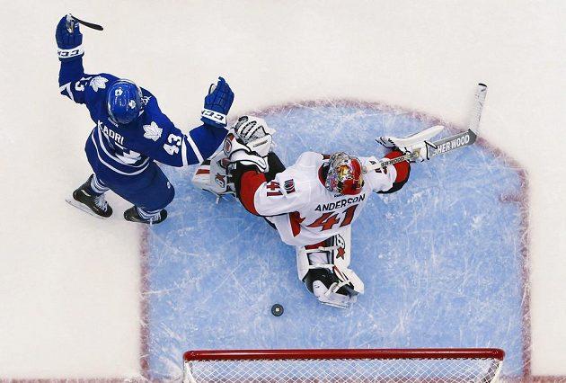 Toronto je v čele NHL. Letos ve třech zápasech ještě neztratilo ani bod. Naposledy si poradilo s kanadským rivalem Ottawou.