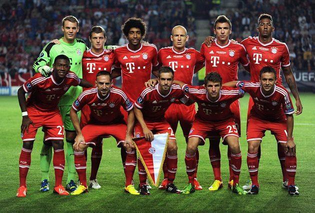 Mužstvo Bayernu Mnichov před utkáním Superpoháru s Chelsea.