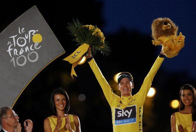 Šťastný vítěz 100. ročníku Tour de France Christopher Froome.