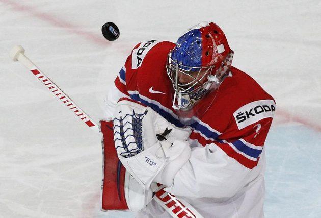 Brankář české hokejové reprezentace Petr Mrázek inkasoval během první třetiny utkání s Finskem na mistrovství světa hned tři branky.