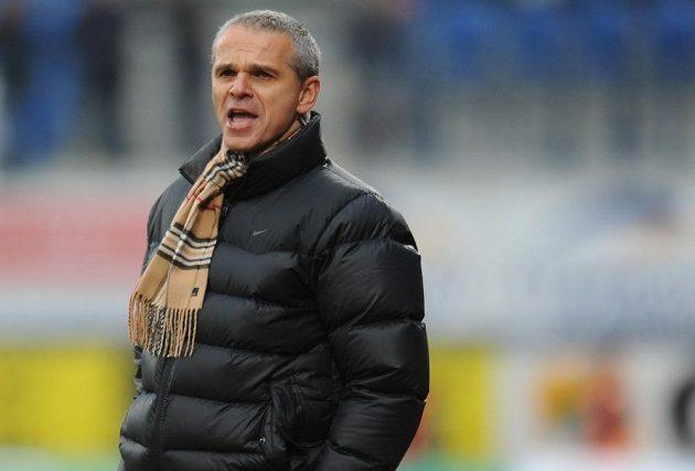 Trenér Sparty Vítězslav Lavička během utkání v Olomouci.