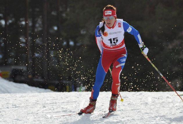 Eva Vrabcová-Nývltová při skiatlonu na MS ve Falunu.