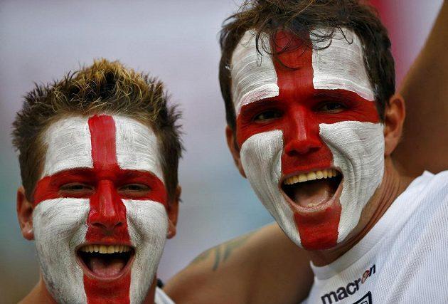 Fanoušci Anglie před utkáním s Itálií.