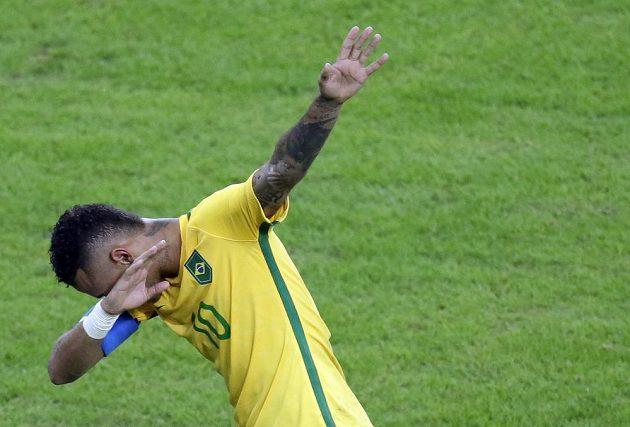 Brazilec Neymar po gólu, kterým otevřel skóre finále s Německem.