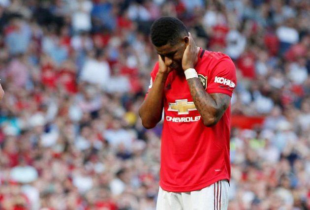 Fotbalisté Manchesteru United neproměnili v Premier League další penaltu. Tentokrát proti Crystal Palace Marcus Rashford trefil pouze tyč.