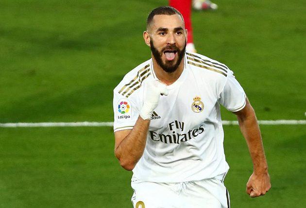Karim Benzema posunul Real k titulu. Raduje se z gólu v utkání s Villarrealem.