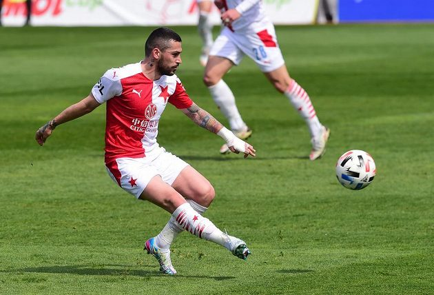 Nicolae Stanciu ze Slavie v pohárovém čtvrtfinále s Olomoucí.