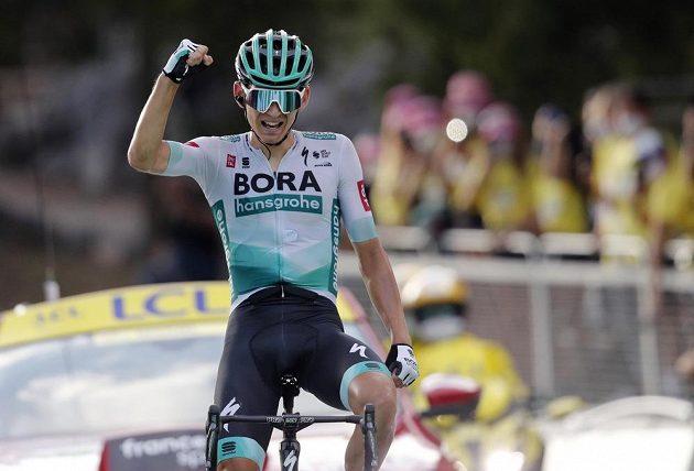 Němec Lennard Kämna v cíli 16. etapy Tour de France.
