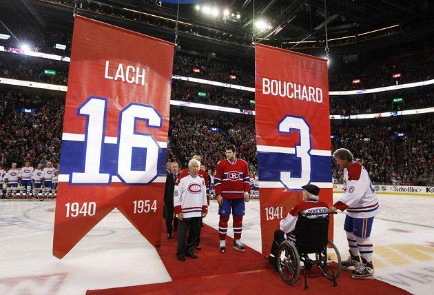 Elmer Lach (vlevo) a Emile Bouchard během slavnostního vyřazení jejich čísel.