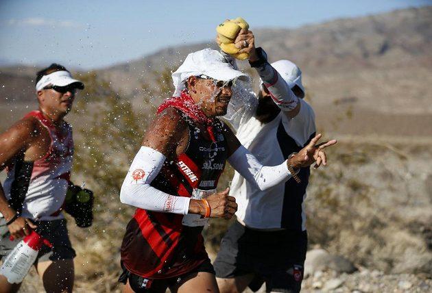 Vítané osvěžení pro účastníky ultramaratónu Badwater.
