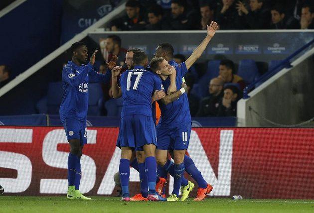 Leicester se raduje ze druhé trefy proti Seville.