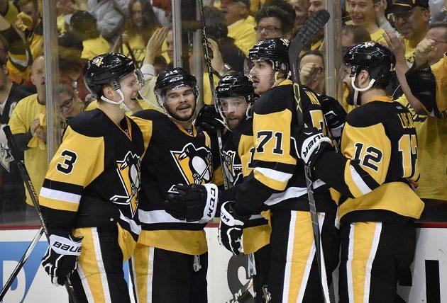 Hokejisté Pittsburghu Penguins si po sedmi letech opět zahrají o Stanley Cup.