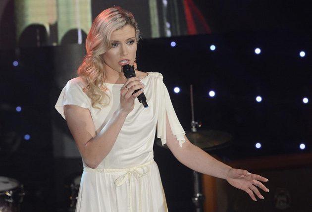Gabriela Soukalová, která zvítězila v anketě o nejlepší tuzemskou biatlonistku sezóny 2012/13, v závěru galavečera také zazpívala.