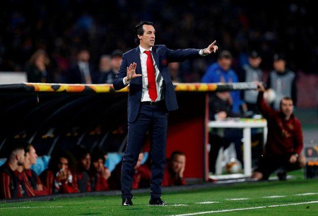 Manažer fotbalového Arsenalu Unai Emery během utkání.