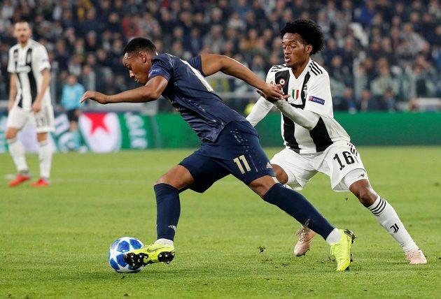 Fotbalista Manchesteru United Anthony Martial v akci během utkání Ligy mistrů s Juventusem.