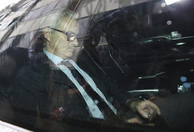 Manažer Manchesteru United José Mourinho definitivně uzavřel kauzu s někdejší lékařkou Chelsea Evou Carneirovou.