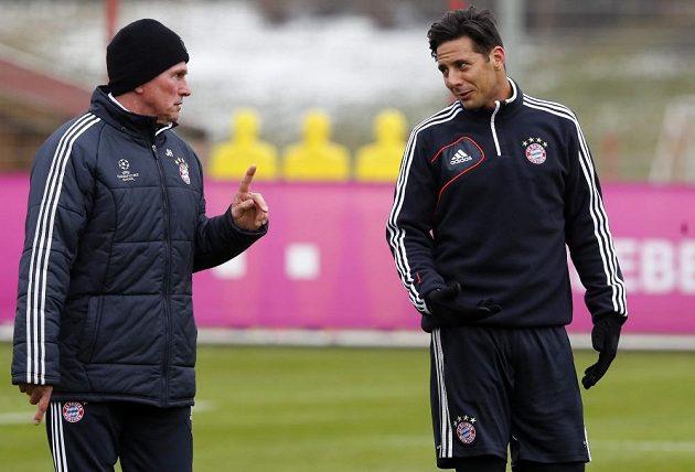 Trenér Bayernu Mnichov Jupp Heynckes (vlevo) a jeho svěřenec, útočník Claudio Pizarro.