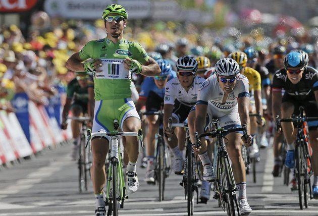 Sagan si vychutnává dojezd ve své vítězné etapě.
