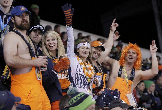 Fandové Denveru si finále NFL užívali, i když se pro jejich tým nevyvíjelo dobře.
