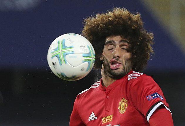 Marouane Fellaini z Manchesteru United schytal v boji o Superpohár tvrdou ránu.