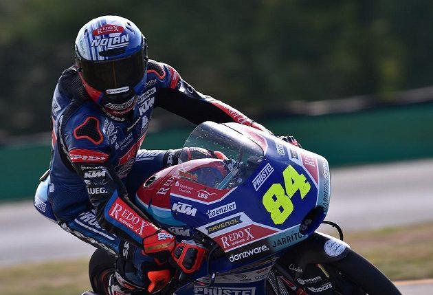 Velká cena České republiky, závod mistrovství světa silničních motocyklů kategorie Moto3, Jakub Kornfeil z České republiky vybojoval třetí místo.