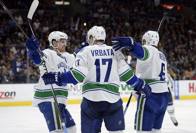 Vrbatovi se ve Vancouveru daří konstantně celou sezónu. Naposledy to odneslo Los Angeles.