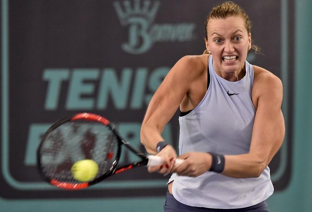 Petra Kvitová ze Sparty v utkání proti Karolíně Plíškové z Prostějova.